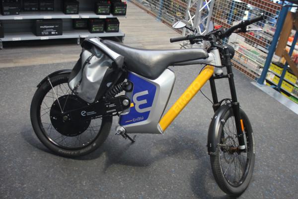 El Moto Zellentausch mit 47V von 35,7Ah/1671Wh bis 40,6Ah/1900Wh